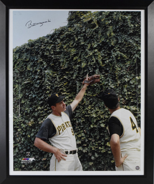 Huge%20Bill%20Mazeroski%20Signed%20%22Pointing%22%201960%20WS%20Home%20Run%20Photograph%20%28framed%29