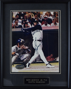 Ken%20Griffey%2C%20Jr%2E%20signed%208%22x10%22%20photo%20%28framed%29