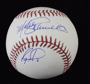 Mike%20Schmidt%20and%20Ryan%20Howard%20Signed%20Baseball