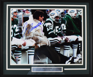 Joe%20Namath%20Signed%2016%22x20%22%20Photograph%20%28framed%29